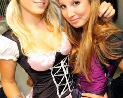 Wiesn Oktoberfest Gogos Tänzerinnen in München und Bayern_15